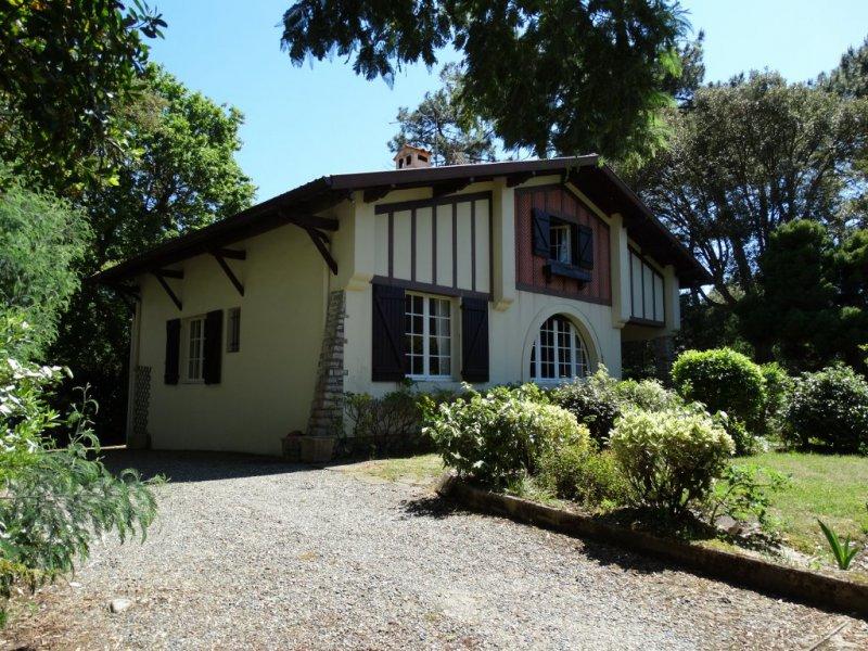 Excellent maison a vendre entre centre et plages hossegor for Agence petit hossegor