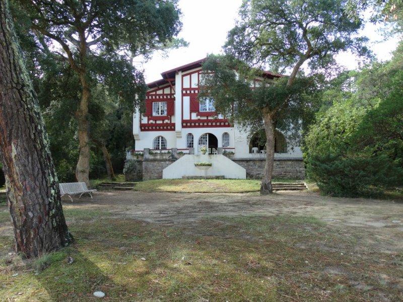 Exceptionnel villa basco landaise en premiere ligne sur for Acheter maison hossegor
