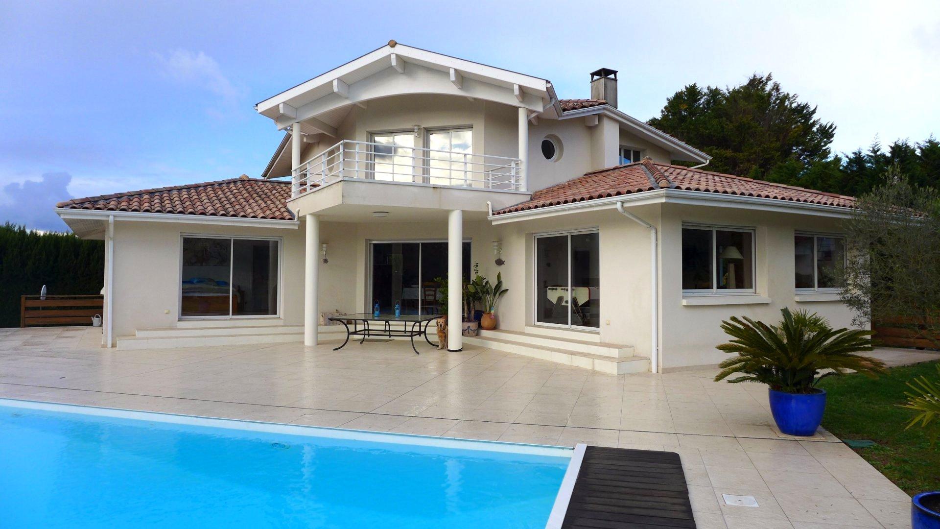 Villa De Standing A 10 Minutes D 39 Hossegor Terres Oc An